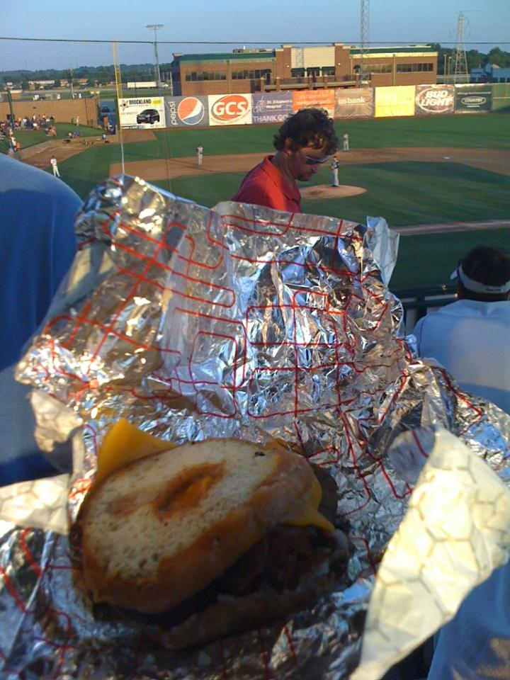 gatewaygrizzliesburger.jpg